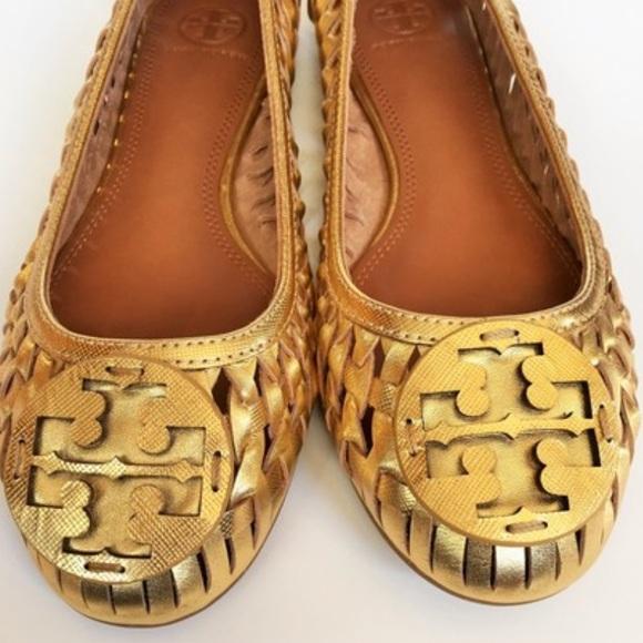 21ca962cff5 Tory Burch Logo Huarache Gold Woven Ballet Flat. M 5ad278515512fd5c0a62d97a